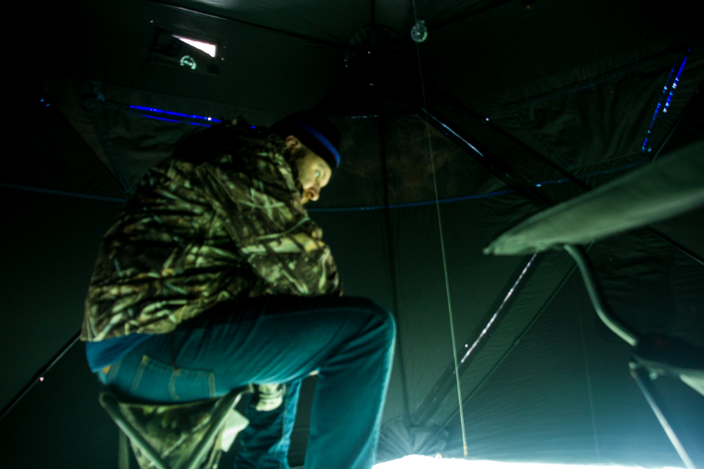 ice-fishing-pike-spearing-decoy